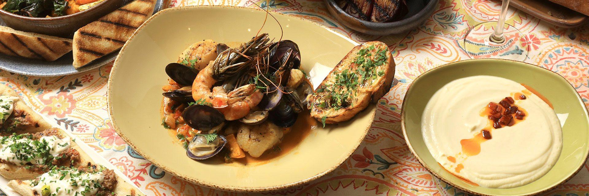 Dining facilities at Casa Munras Garden Hotel & Spa, Monterey